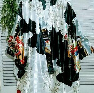 Other - Gorgeous Silver and Black Kimono